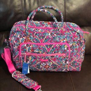VeRa Bradley Iconic weekend travel bag medium.